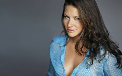 Canadian Actress Evangeline Lilly HD Wallpaper