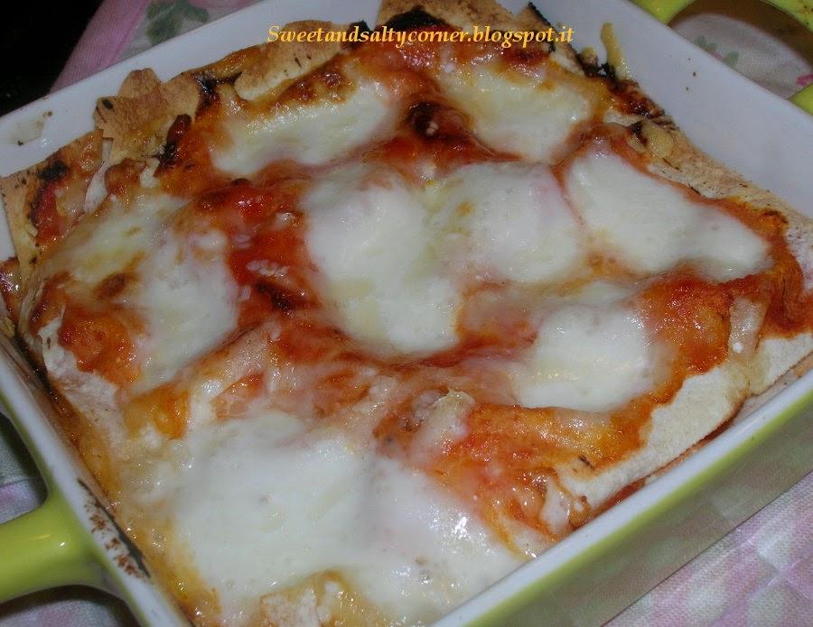 lasagnetta di pane carasau con pomodoro e mozzarella