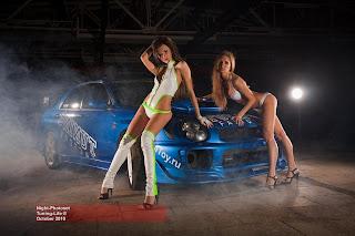 Donne Amp Motori24 Due Modelle E Le Auto Giapponesi