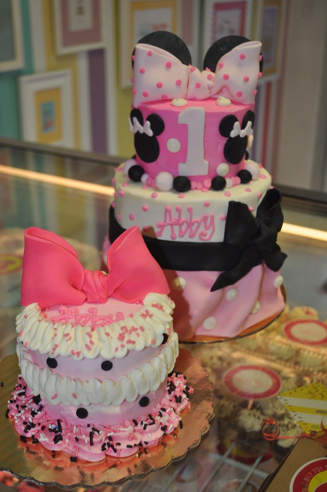 Leahs Sweet Treats Minnie Mouse first birthday cake and smash cake