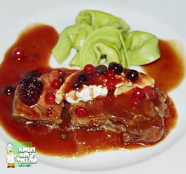 Receta de Carne Ternera al Camembert con Frutos Rojos