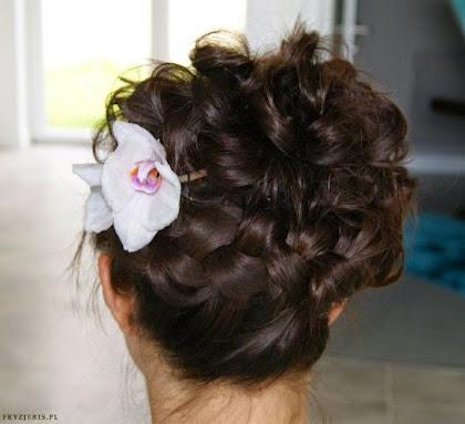 fryzura ślubna 71