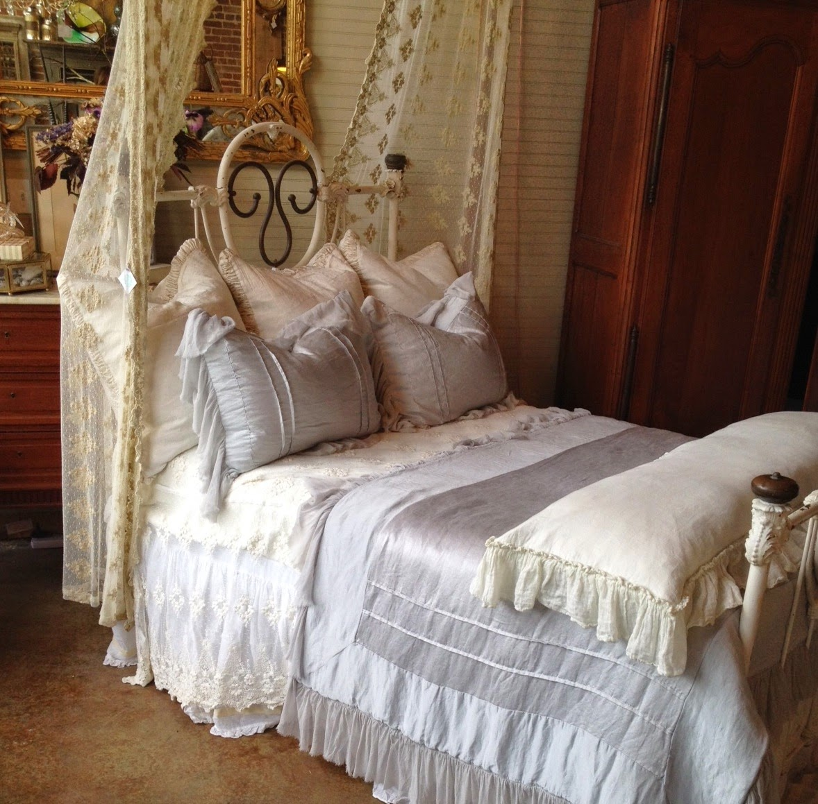 Bella Blog BED OF THE MONTH