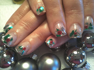 Shattered glass Christmas nails