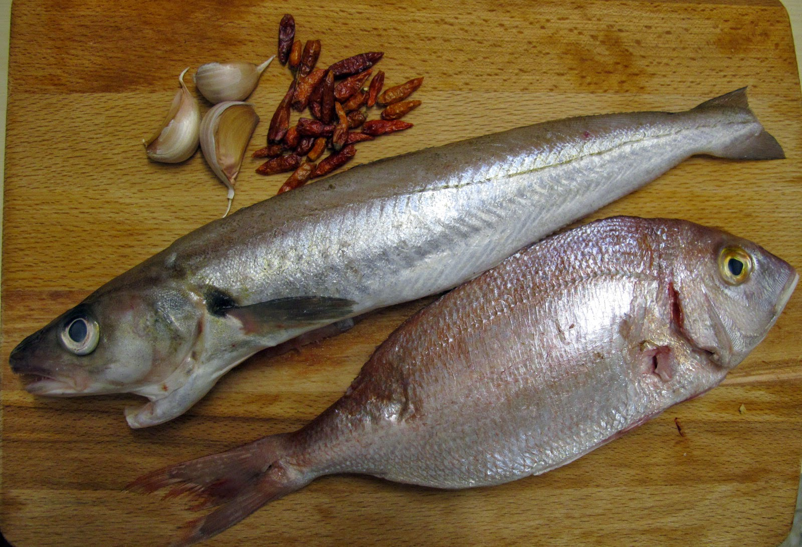 Cuchara cuchillo pescado entero grillado for Cuchillo pescado
