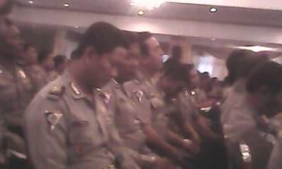 http://prabuhelaudinata.blogspot.com/2012/11/pembekalan-anggota-bhabinkamtibmas.html