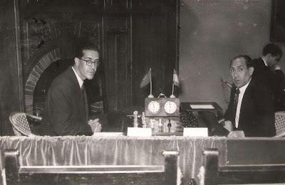 Partida de ajedrez  Joâo de Moura - Joan Sola en 1951