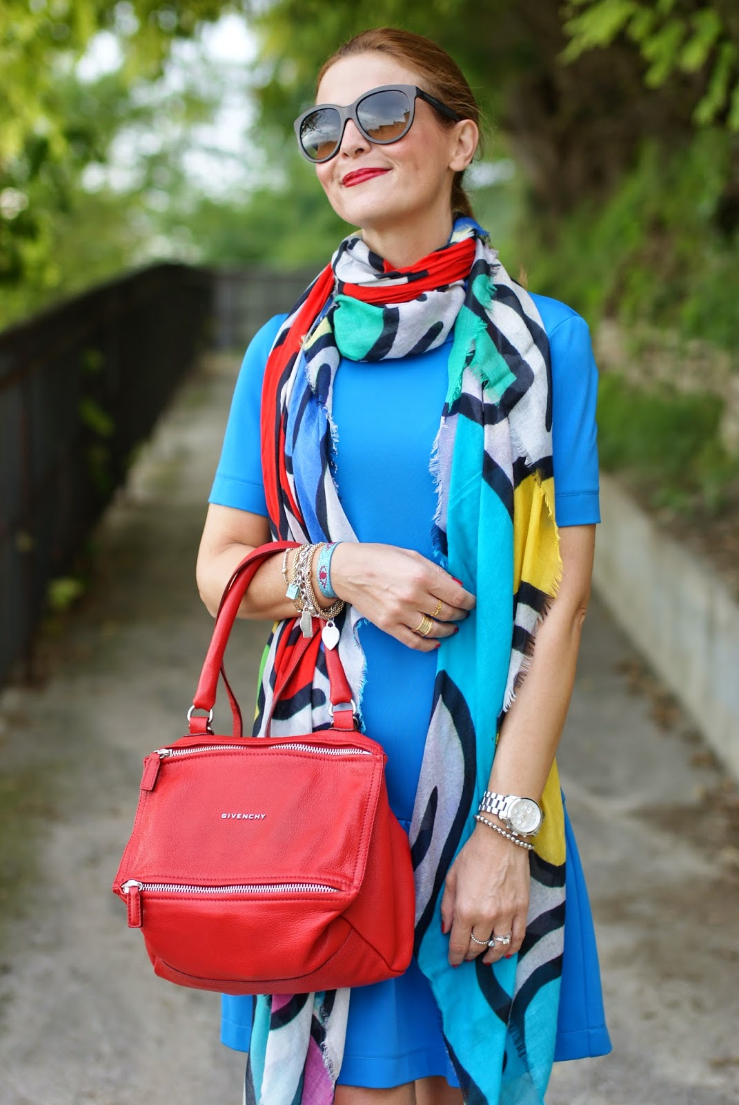 Ruco Line sneakers, Givenchy Pandora red bag, Ruco Line new collection Fall Winter 2014 2015, Tessitura Lancioni scarf, Fashion and Cookies, fashion blogger