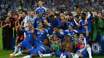 Kebahagiaan pemain chelsea dengan piala liga champions