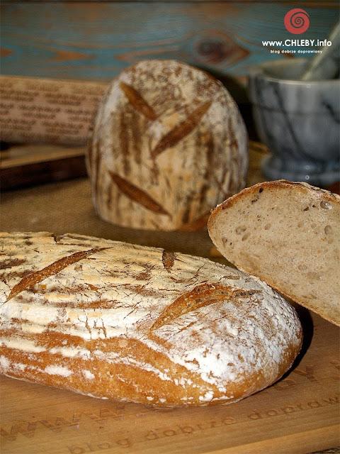 Chleb pszenny na zakwasie żytnim (chleb z Vermont)