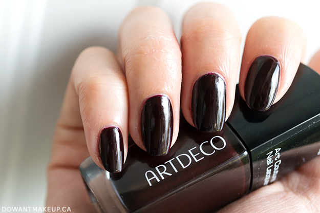 Art Deco 700 Couture Mystical Heart nail polish