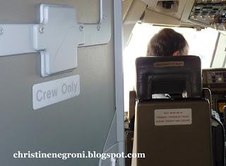 pilots+through+open+cockpit+door.JPG