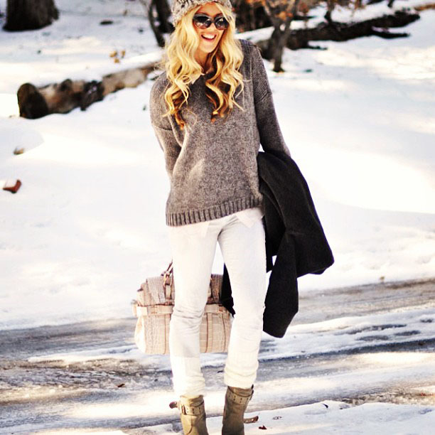 outfit post in the snow