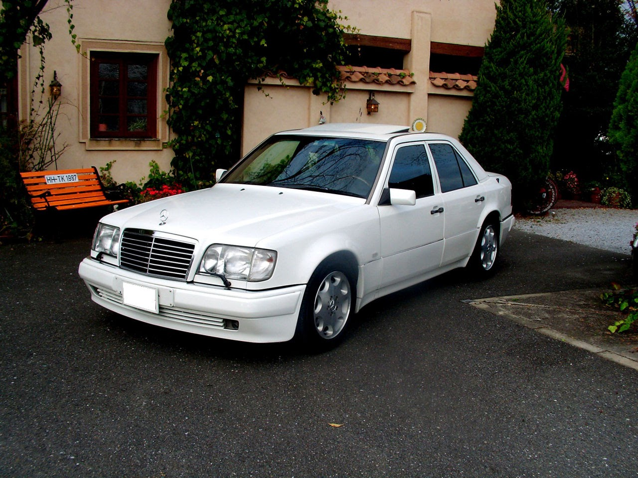 Mercedes-Benz E500 W124 White