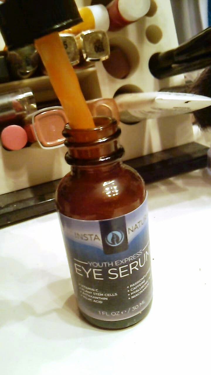 InstaNatural Youth Express Eye Serum Review