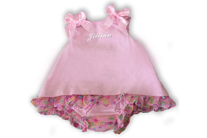 صورة فستان بنت صغيرة باللون الزهر للصيف