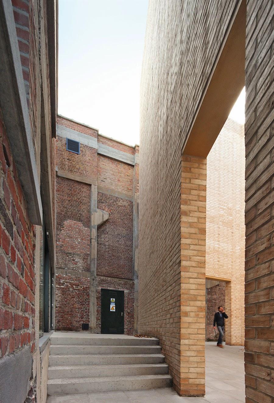Arquitectures234 51n4e buda art centre media lab a un for Dujardin kortrijk