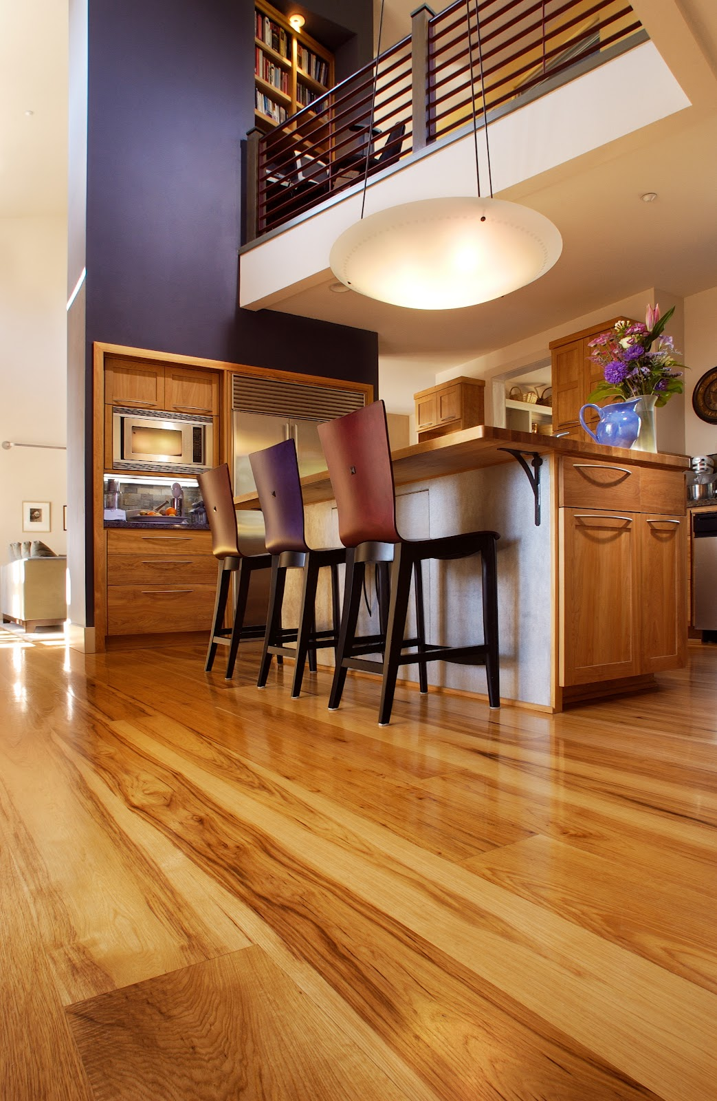 Kitchen Color Schemes with Dark Floors