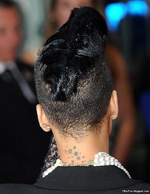 Rihanna_FilmyFun.blogspot.com