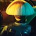 De frente, sem Maddie Ziegler e com peruca do 'Primo Itt', Sia canta 'Elastic Heart' no The Voice UK!