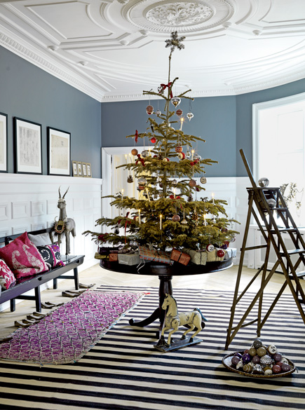 in the studio the christmas tree. Black Bedroom Furniture Sets. Home Design Ideas