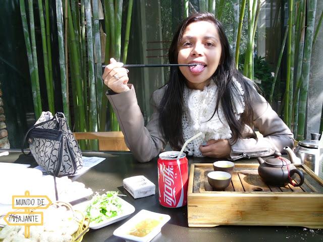 Experimentando comidas chinesas