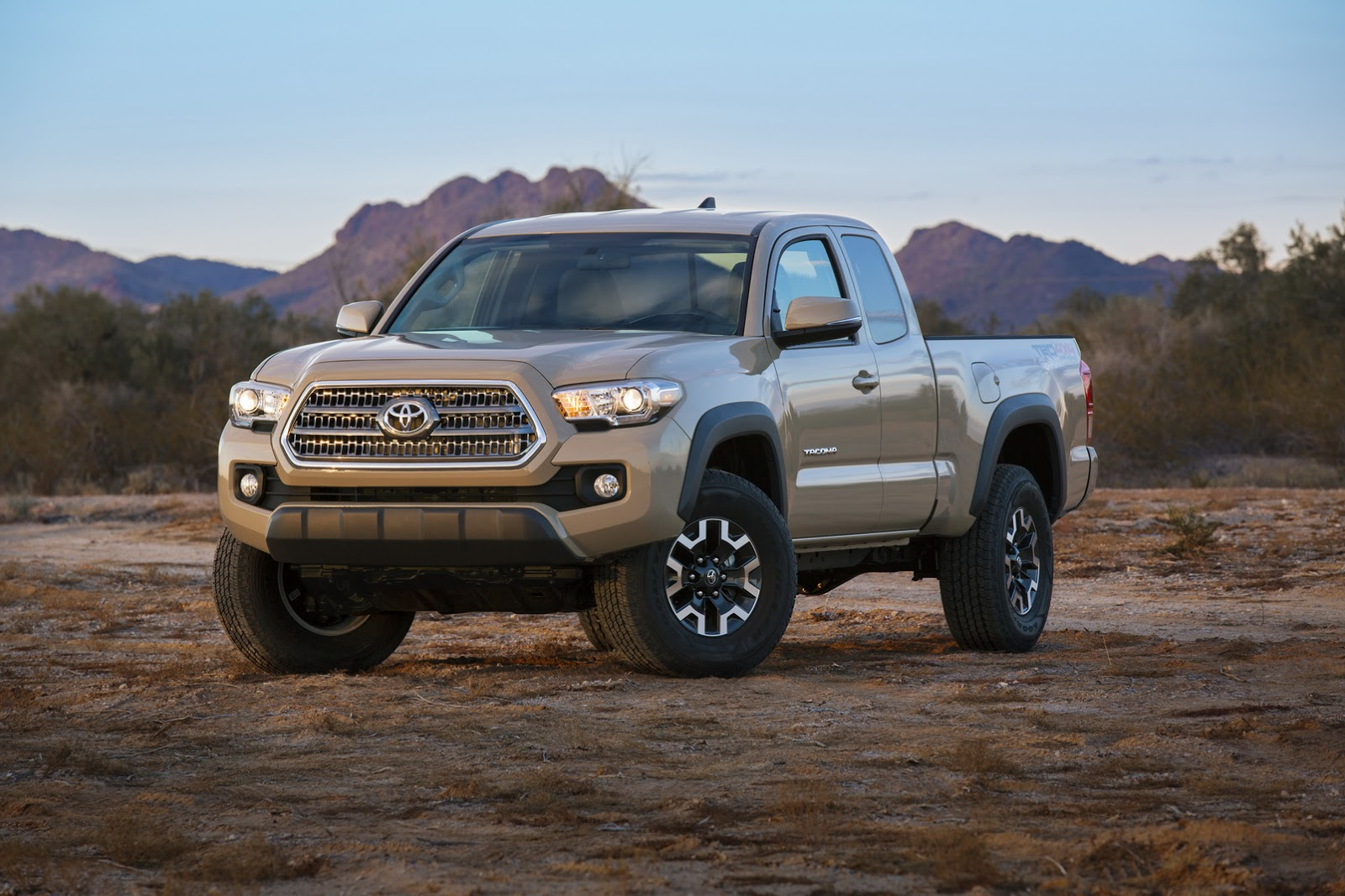 toyota details new 2016 tacoma pickup truck 75 pics video carscoops. Black Bedroom Furniture Sets. Home Design Ideas