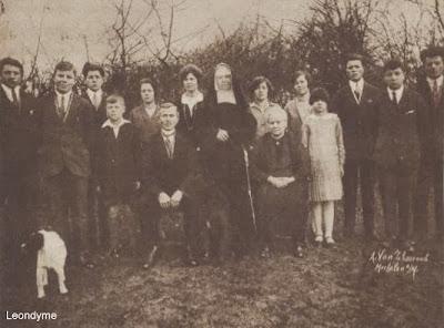 Het gezin Vencken-Renier uit Dilsen-Stokkem met hun 13 kinderen.