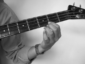 How to Play Bass Guitar Finger Position