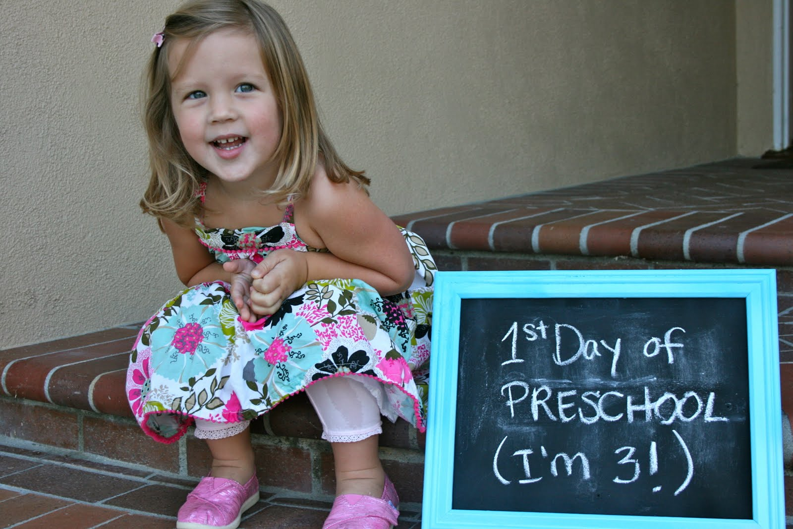 First Day Of Preschool Sign http://ragstostitchesblog.com/first-day-of-preschool/