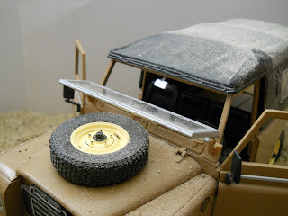 todo terreno land rover serie III 109 a escala 1/18