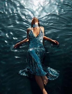 بالصور: حوريات بحر يجمعن بين الجمال والغموض