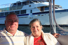 Mike n Lynette braved the waters! See their yacht behind them?!
