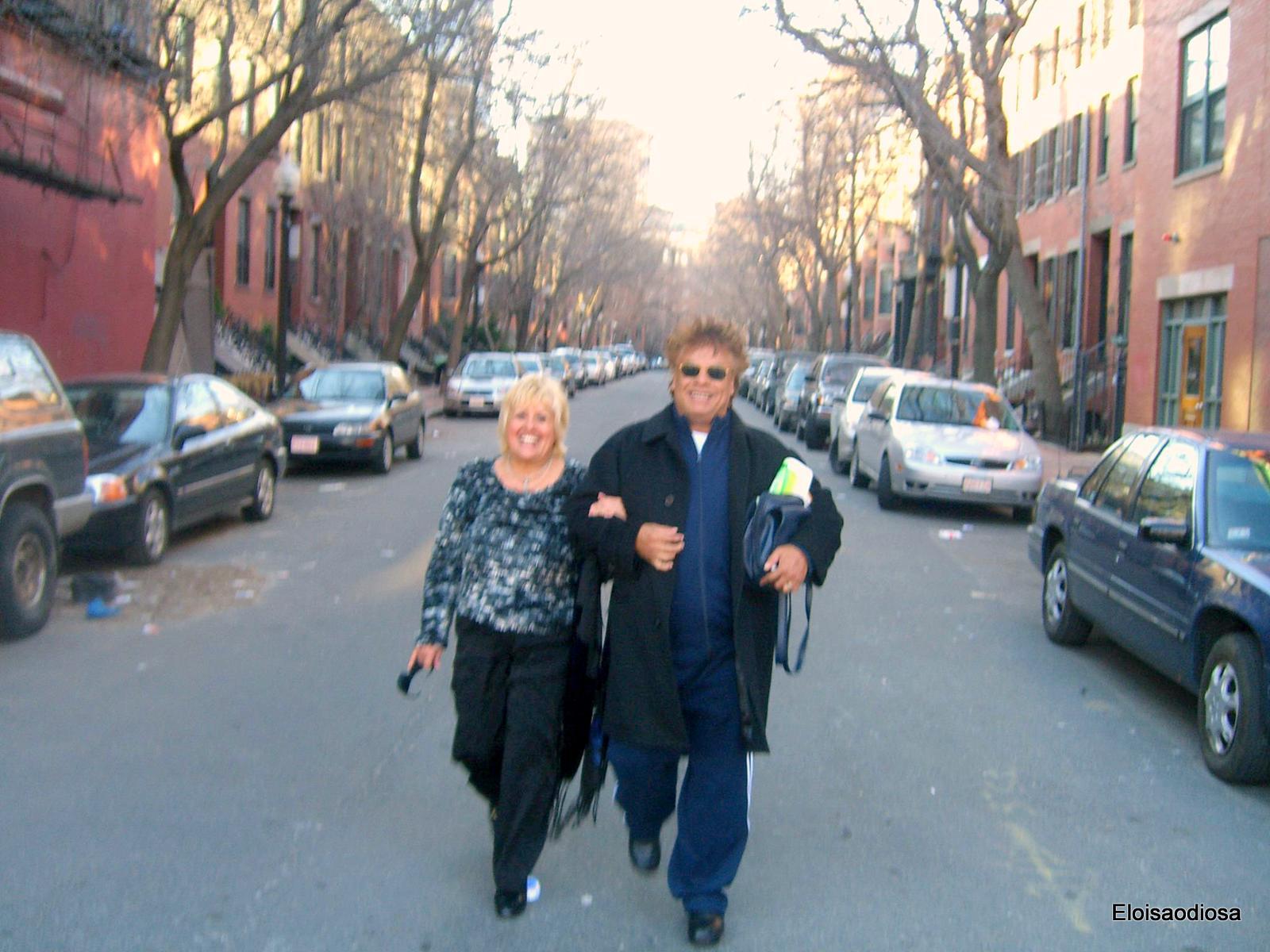 Alberto y Eloisa paseando en Boston