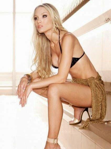 Carolina Tejera in black bra and tight underwear hot unseen hd pics