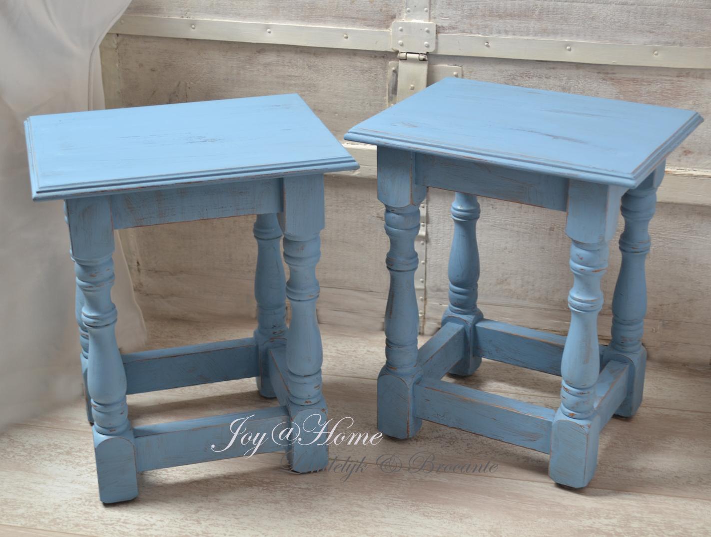Joy@home woonaccessoires blog: ♥ Brocante antiek blauwe tafeltjes ...