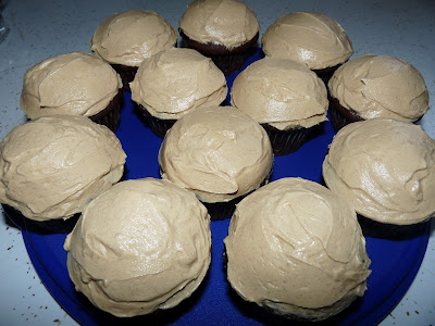 chocolate cupcake peanut butter frosting