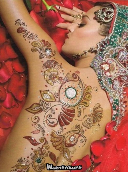 glitter mehndi body art colletions latest glitter tattoos designs henna mehndi body designs. Black Bedroom Furniture Sets. Home Design Ideas