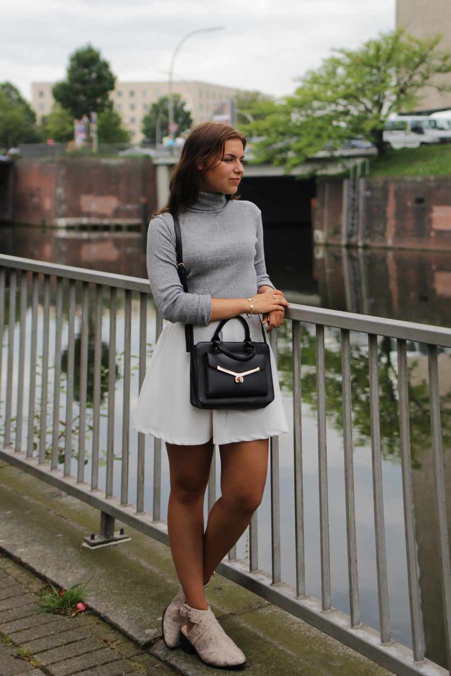 turtle neck outfit post myberlinfashion