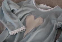 Hjertekjole med blonder