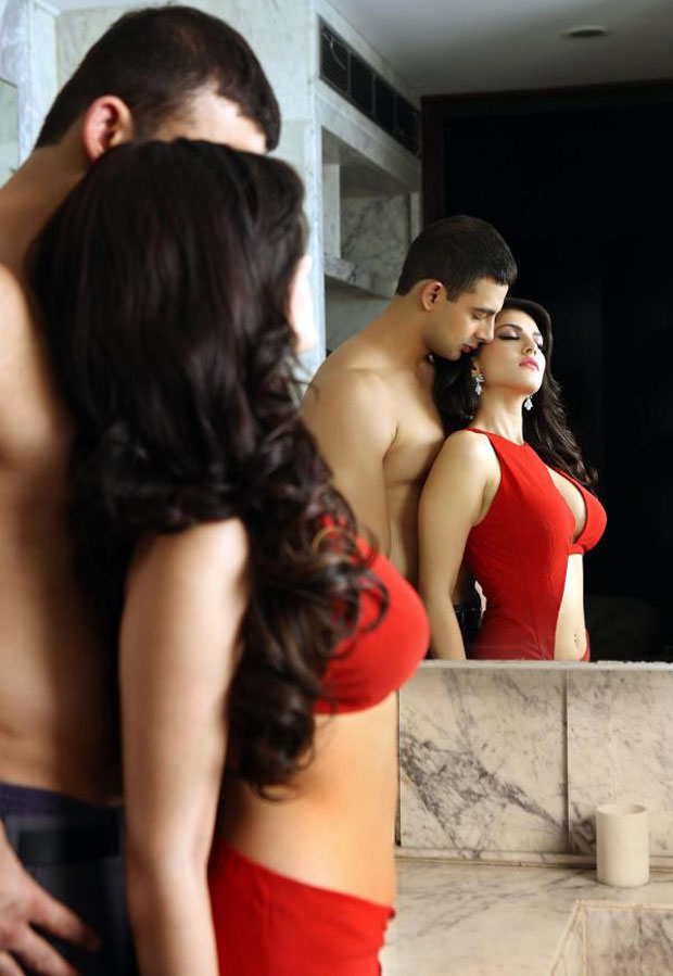 Lesbian act on cam Sunny leone - Indian Porn Videos