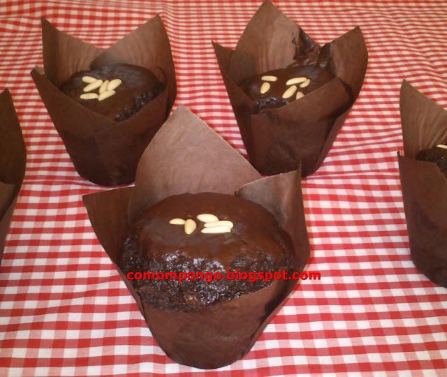Muffins de chocolate y piñones