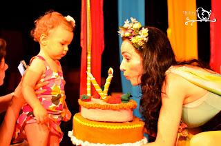 Teatro para bebês - A atriz Liliana Rosa em cena