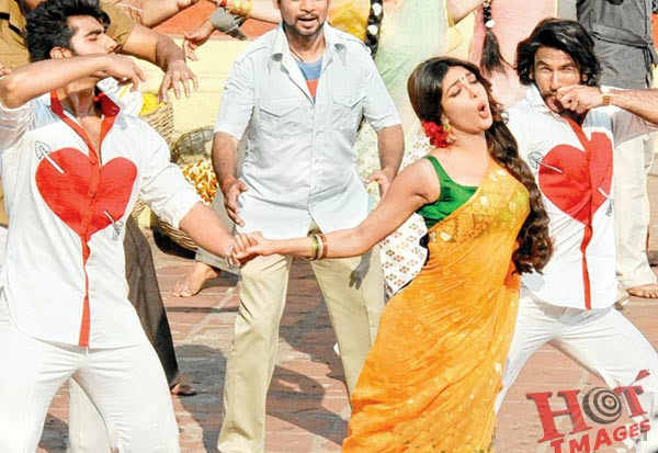 Priyanka Chopra yellow Saree in gunday