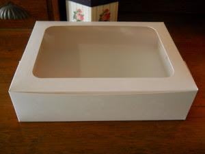 GLOSS WHITE BOX with 15/16 HOLDER