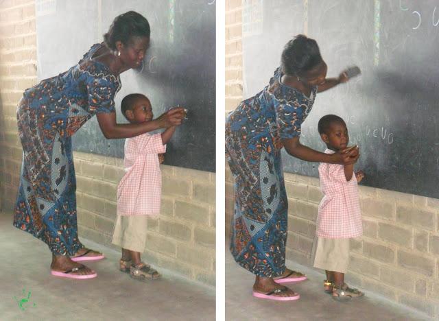 Bambini a scuola nella missione di Atchanvé, Togo, Africa