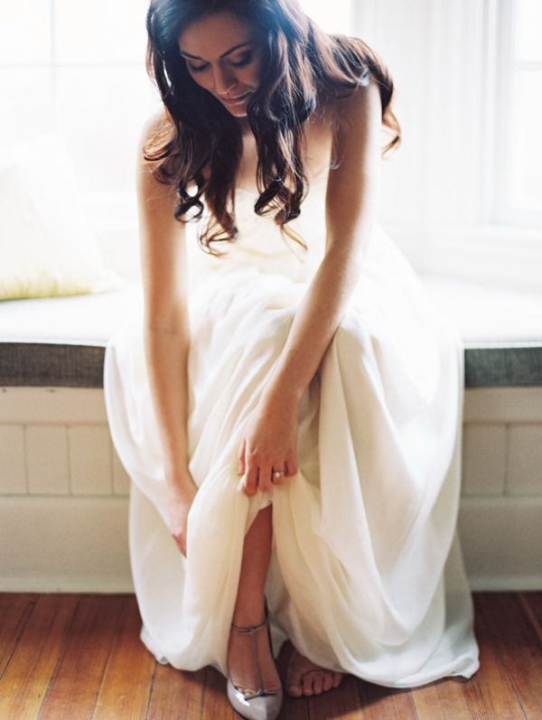 Real Bride Allison in her Sarah Seven Amour Gown in Ivory | Laura Gordon Photography - www.sarahsevenblog.com