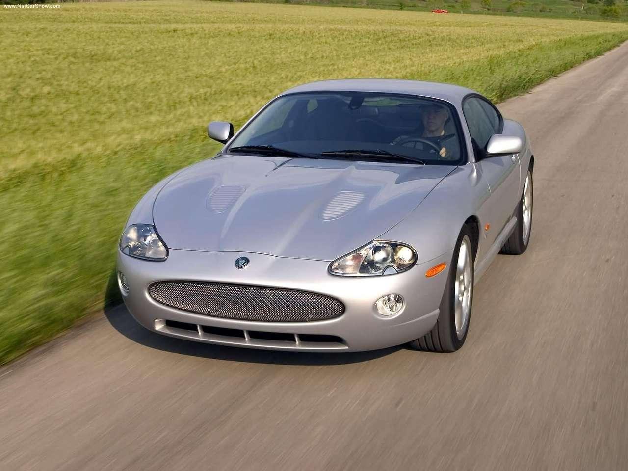 http://2.bp.blogspot.com/-J_6RTDSkThY/TZMgS1fFy1I/AAAAAAAACLc/gBFcoobh-qI/s1600/Jaguar-XKR_Coupe_2005_1280x960_wallpaper_04.jpg