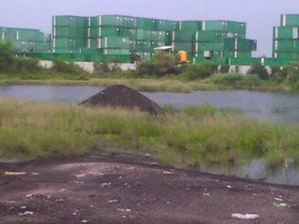 insert : foto barang bukti batubara digudang 409/15 Jl.Tambak Osowilangon