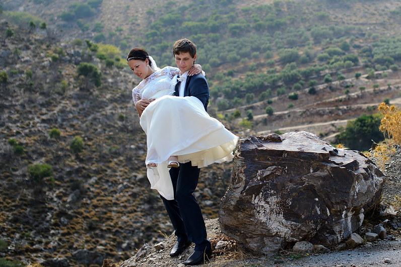 vestuvių fotosesija kalnuose Kretoje Graikijoje
